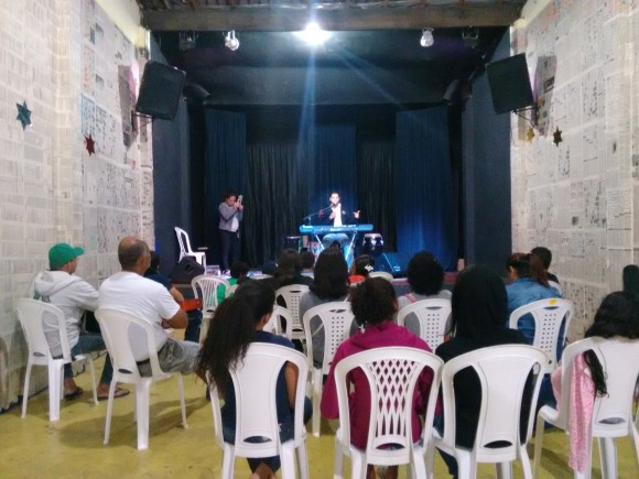 Workshop de musica acontece no Viola de Bolso